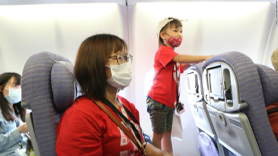 Taiwan's first 'pretend to go abroad' tour takes off with fake flight