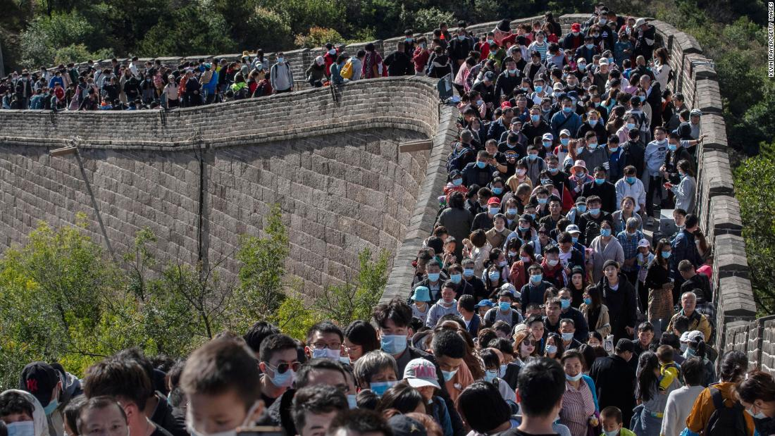 What pandemic? Crowds swarm Great Wall of China during holiday week