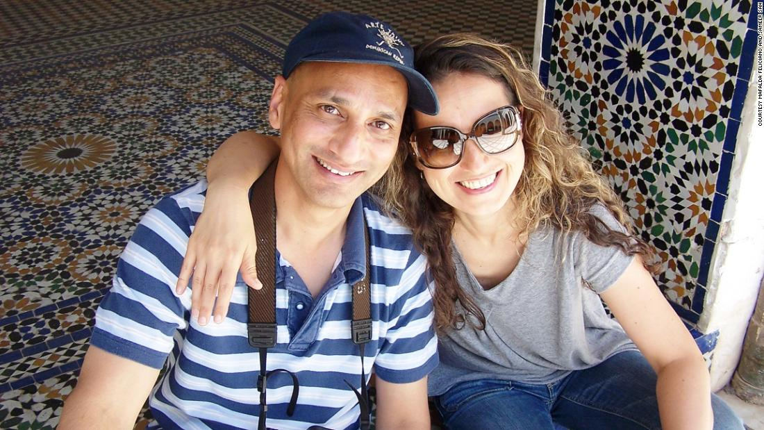 Airplane passenger demands a window seat on a flight to Cairo -- then meets his future wife