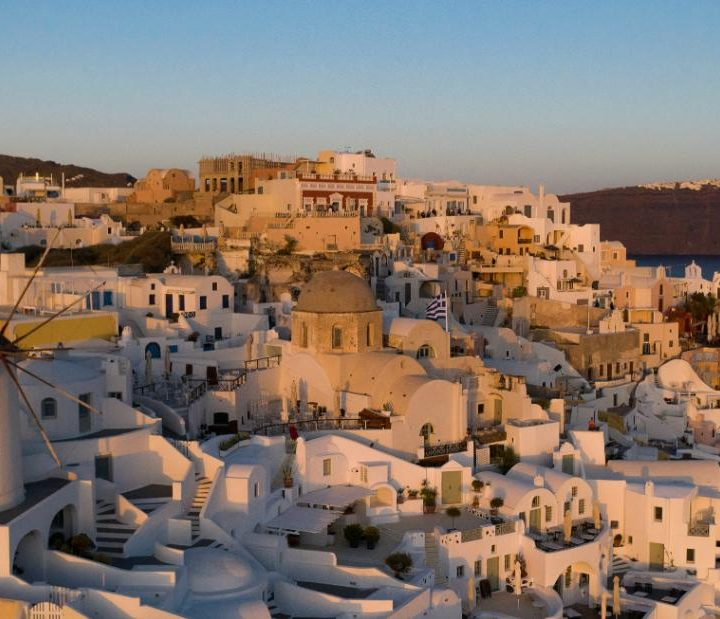 Greece opens its doors to Covid-free travelers